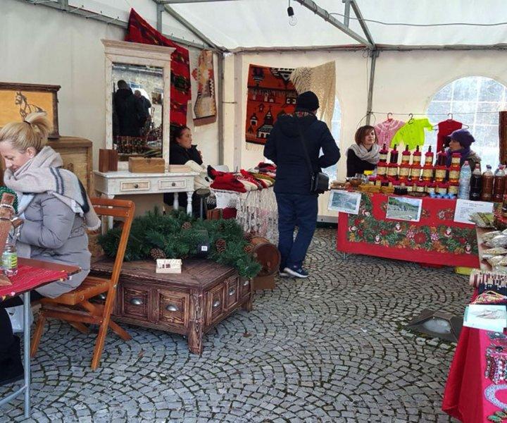 Magjia e Krishtlindjeve në duart e artizanëve